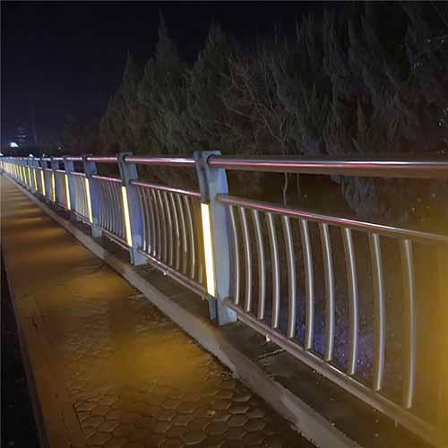 灯光护栏2